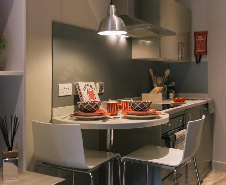 Kingsmill-Studios-Huddersfield-Dinning-Area-Unilodgers
