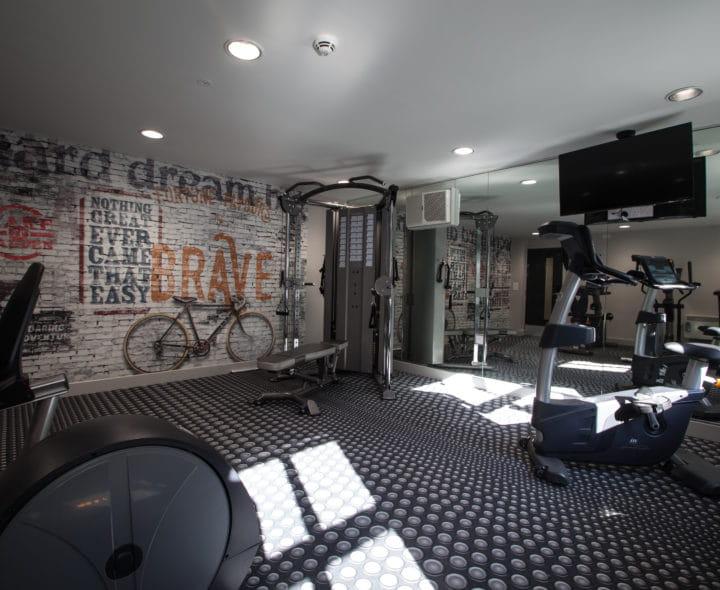 Kingsmill-Studios-Huddersfield-Gym-Unilodgers