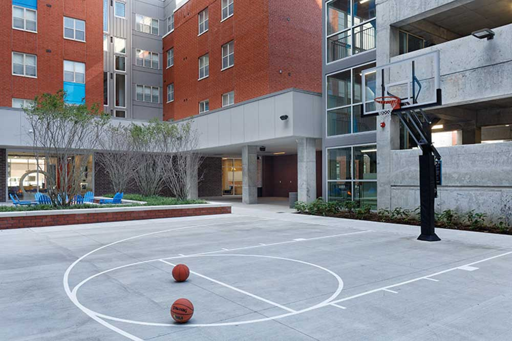 LUX-on-Capitol-Indianapolis-IN-Basketball-Court-Unilodgers