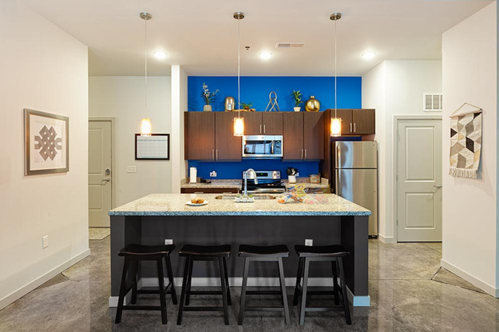 LUX-on-Capitol-Indianapolis-IN-Kitchen-With-Breakfast-Bar-Unilodgers