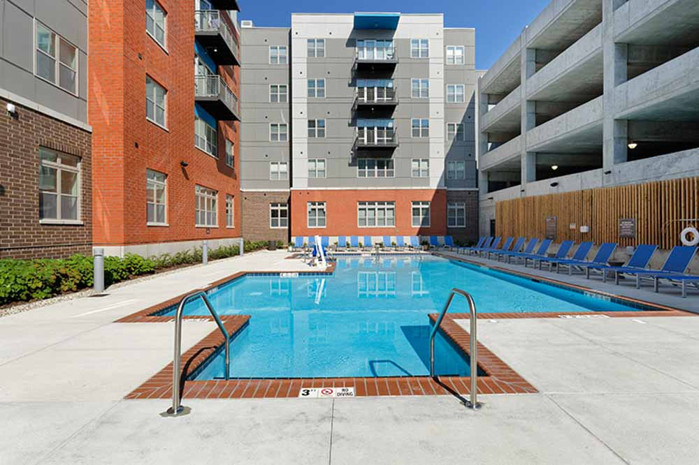LUX-on-Capitol-Indianapolis-IN-Swimming-Pool-Unilodgers