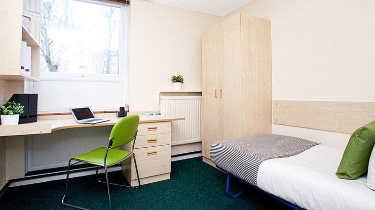 Larch-House-Liverpool-En-suite-1-Unilodgers