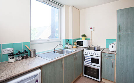 Larch-House-Liverpool-Kitchen-1-Unilodgers