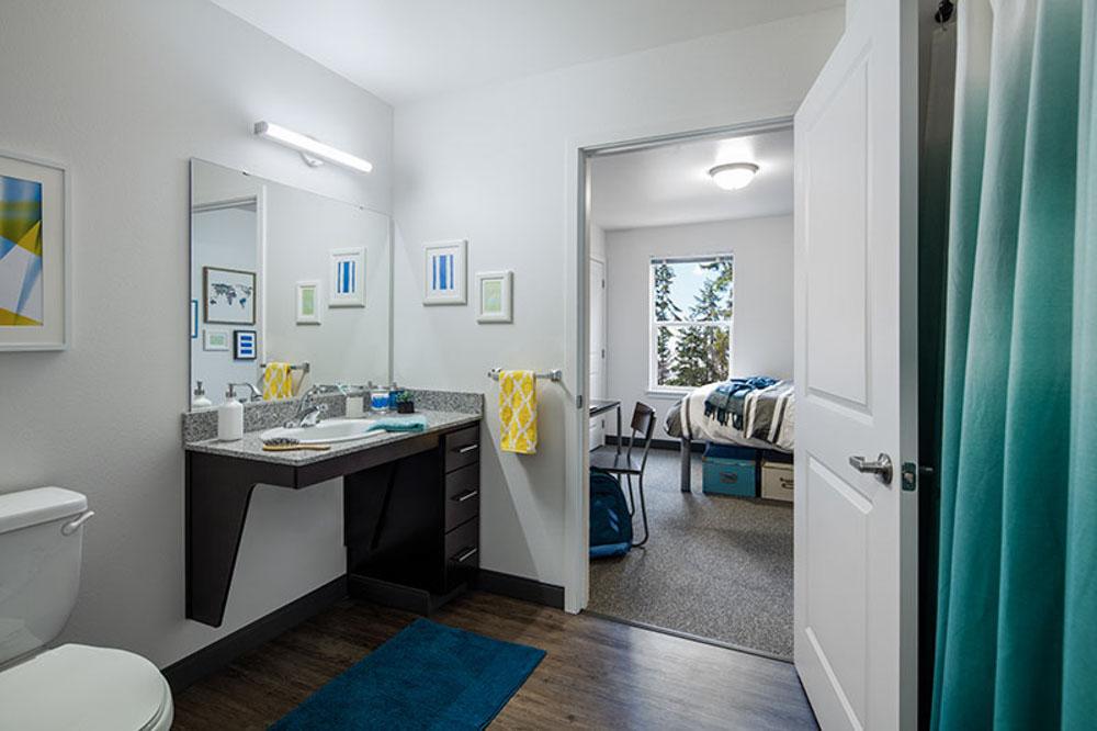 Lark-Bellingham-WA-Bathroom-Unilodgers