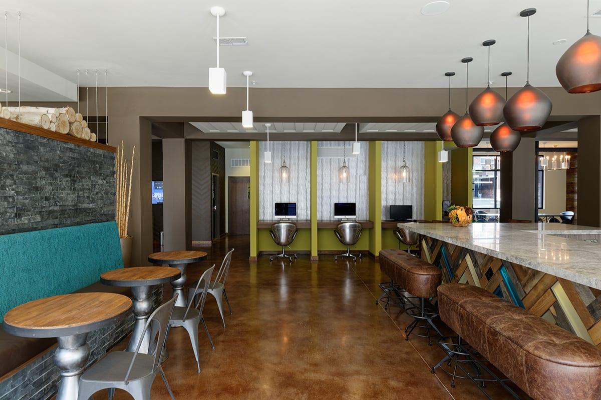 Lark-Tuscaloosa-AL-Lounge-Area-Unilodgers