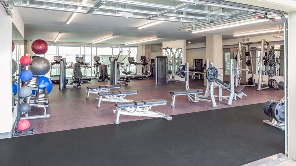 Latitude-Lincoln-NE-Gym-Unilodgers