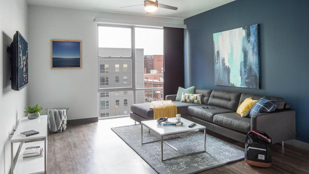 Latitude-Lincoln-NE-Living-Area-With-TV-Unilodgers