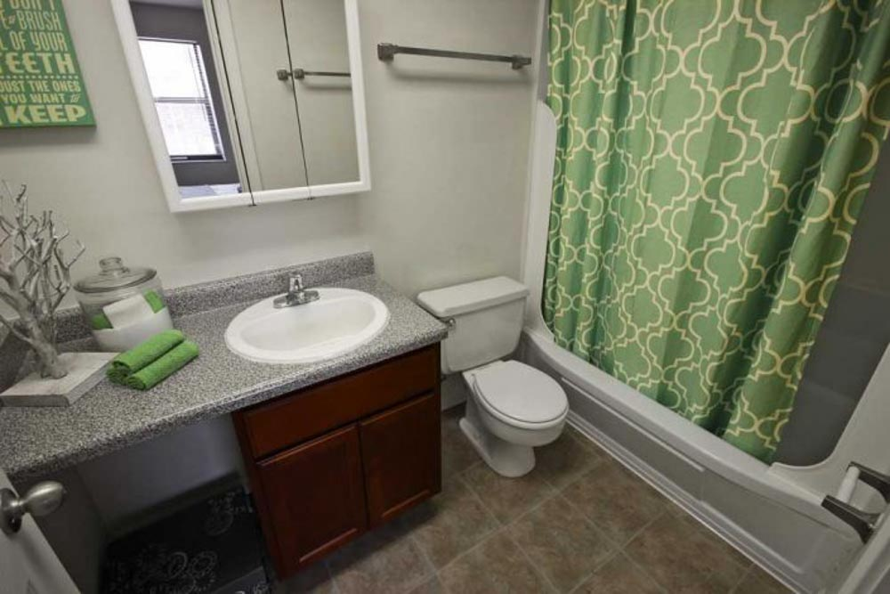 Launch Social Living-West Lafayette-IN-Bathroom-Unilodgers