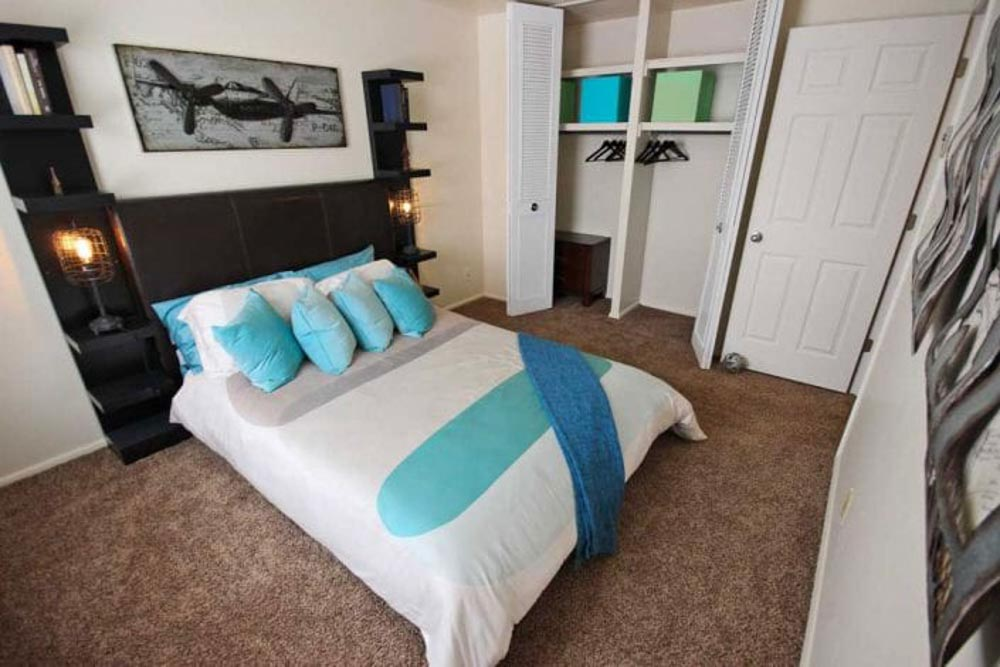 Launch Social Living-West Lafayette-IN-Bedroom-Unilodgers
