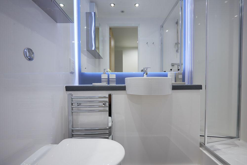 Laylock-Studios-Sheffield-Bathroom-Unilodgers