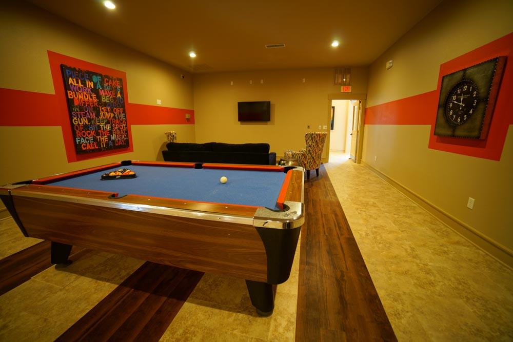 Legends-Place-Lawrence-KS-Pool-Table-Unilodgers