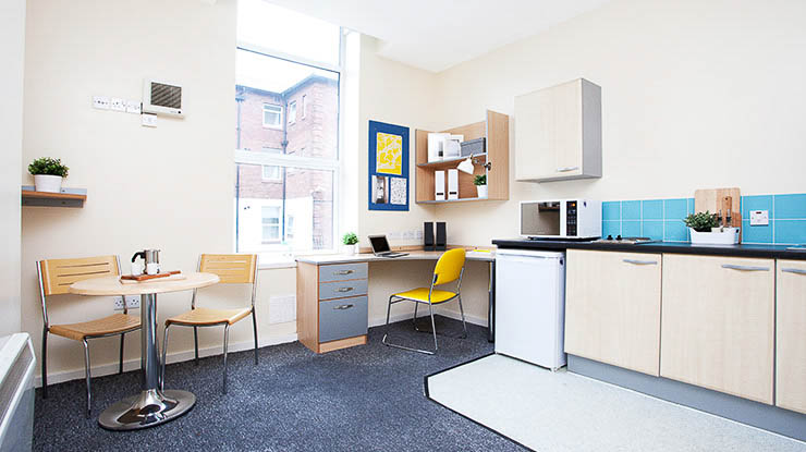 Lennon-Studios-Liverpool-Shared-Kitchen-Unilodgers