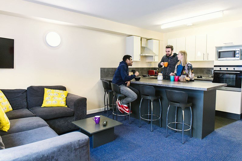 Liberty-Gardens-Liverpool-Communal-Living-Area-Unilodgers