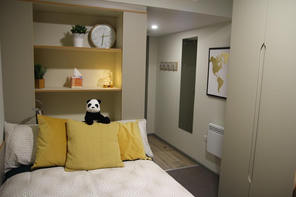 Liv-Dublin-Bedroom-Unilodgers