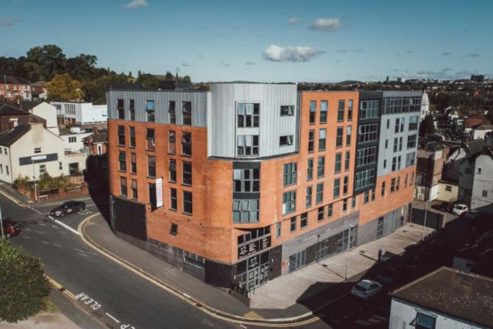 Lomax-Halls-Stoke-on-Trent-Exterior-Unilodgers