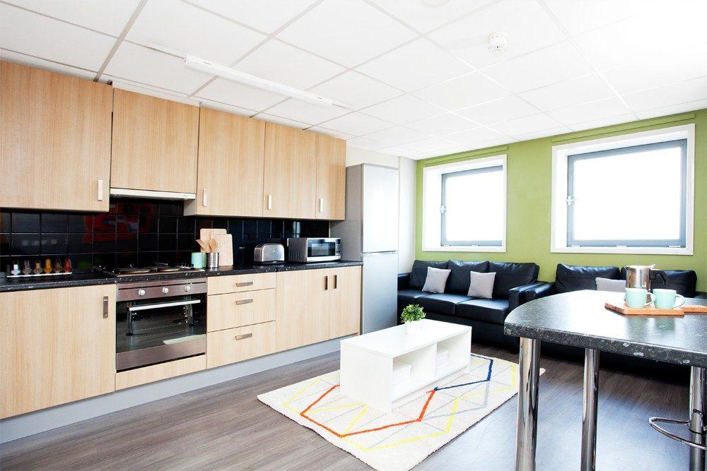 Londonderry-House-Brimingham-Standard-Ensuite-Unilodgers