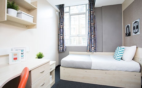 Manet-Court-Newcastle-Upon-Tyne-Bedroom-1-Unilodgers