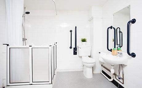 Manor-Bank-Newcastle-Upon-Tyne-Bathroom-1-Unilodgers