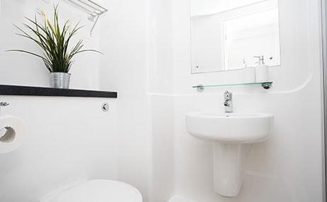Manor-Bank-Newcastle-Upon-Tyne-Bathroom-Unilodgers