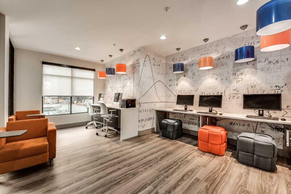 Maverick-Place-Arlington-TX-Computer-Lounge-Unilodgers