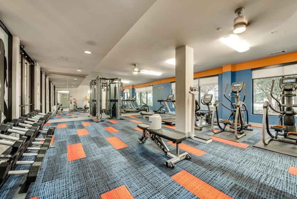 Maverick-Place-Arlington-TX-Gym-Unilodgers