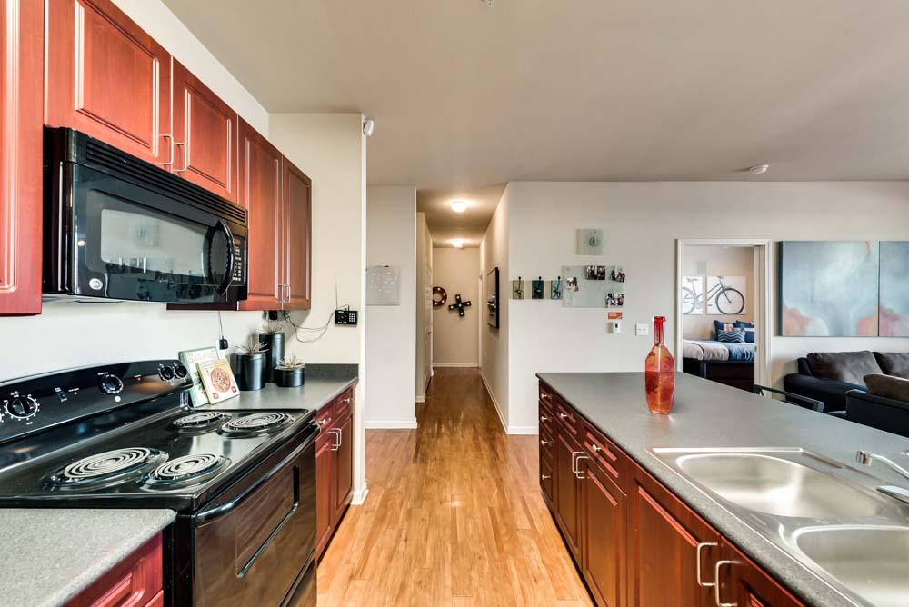 Maverick-Place-Arlington-TX-Kitchen-Unilodgers