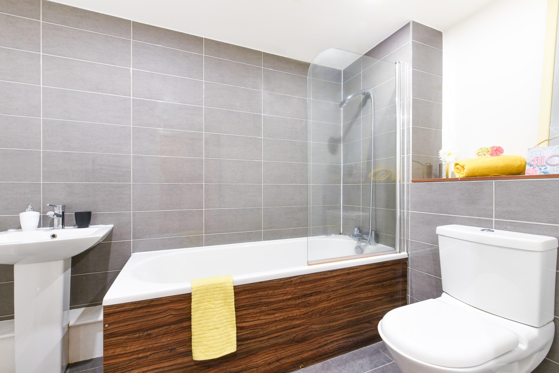 Mellor-House-Sheffield-2-Bathroom-Unilodgers