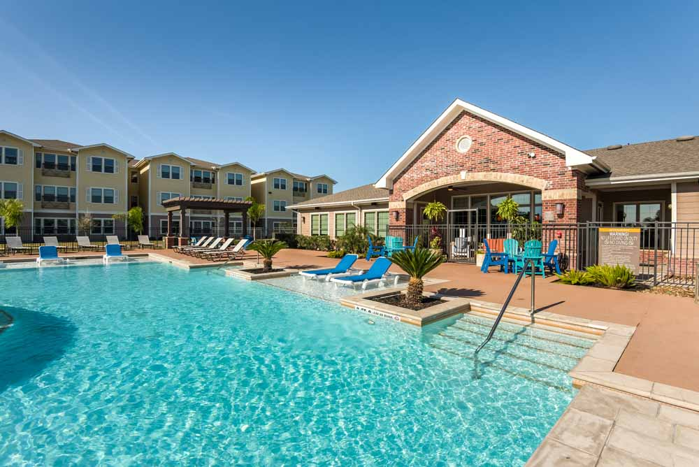 Midtown-Corpus-Christi-TX-Swimming-Pool-Unilodgers