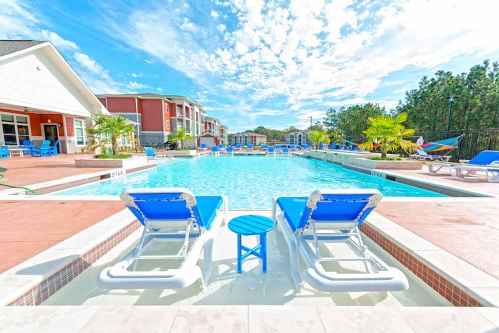 Midtown-Sam-Houston-Huntsville-TX-Swimming-Pool-Unilodgers