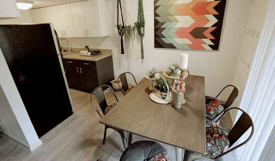 Mint-Urban-Infinity-Denver-CO-Dinig-Area-Unilodgers