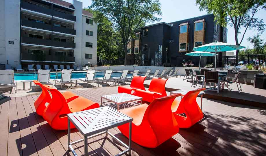 Mint-Urban-Infinity-Denver-CO-Outdoor-Social-Space-Unilodgers