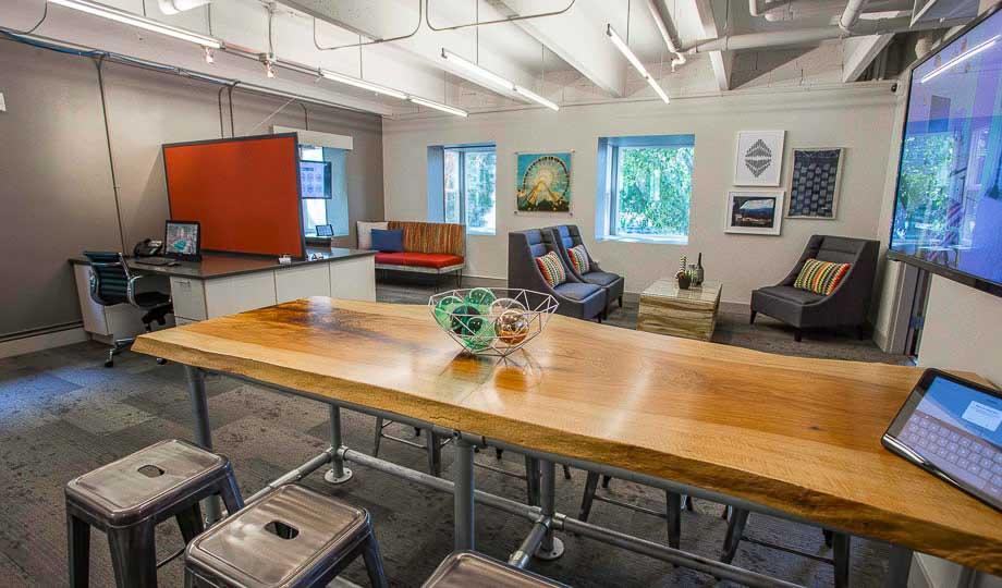 Mint-Urban-Infinity-Denver-CO-Study-Room-Unilodgers