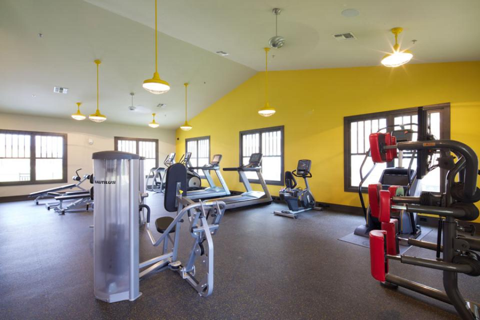 Mustang-Ranch-Stephenville-TX-Fitness-Center-Unilodgers