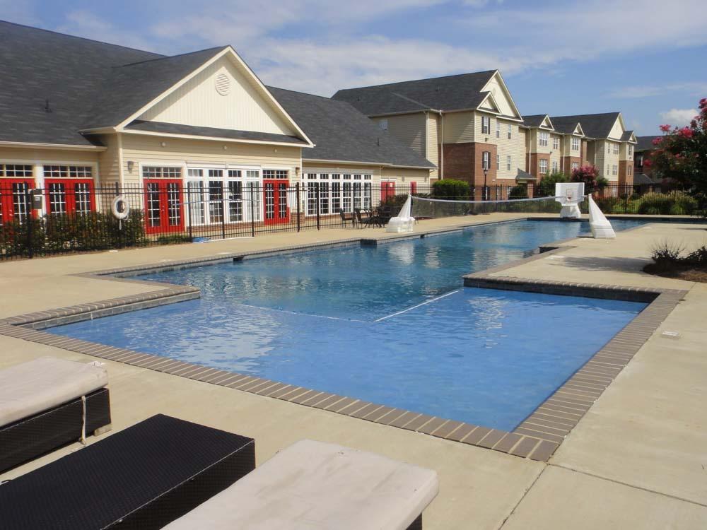 Mustang-Village-Wichita-Falls-TX-Swimming-Pool-Unilodgers