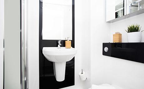 Newgate-Court-Newcastle-Upon-Tyne-Bathroom-Unilodgers