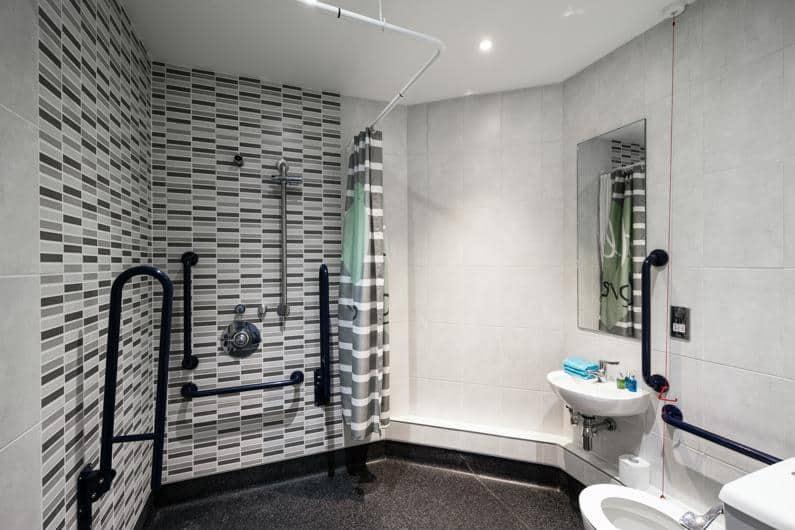 Nido-Castle-Hill-Cambridge-Bathroom-1-Unilodgers