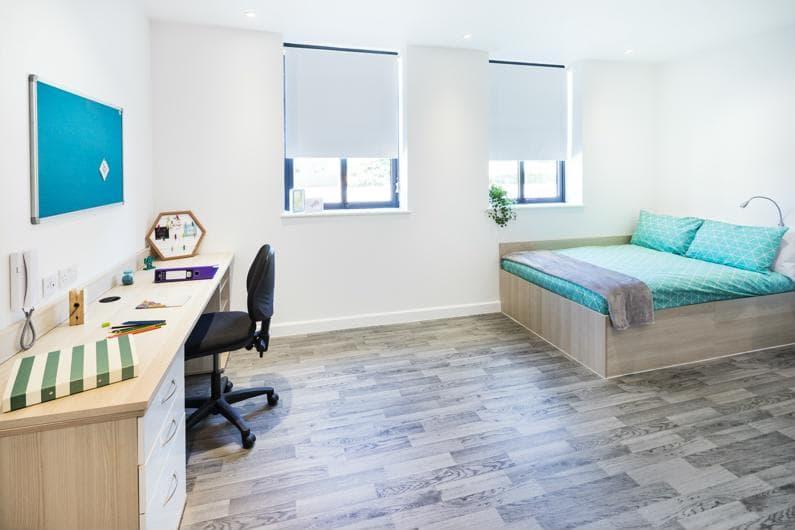 Nido-Castle-Hill-Cambridge-Bedroom-4-Unilodgers