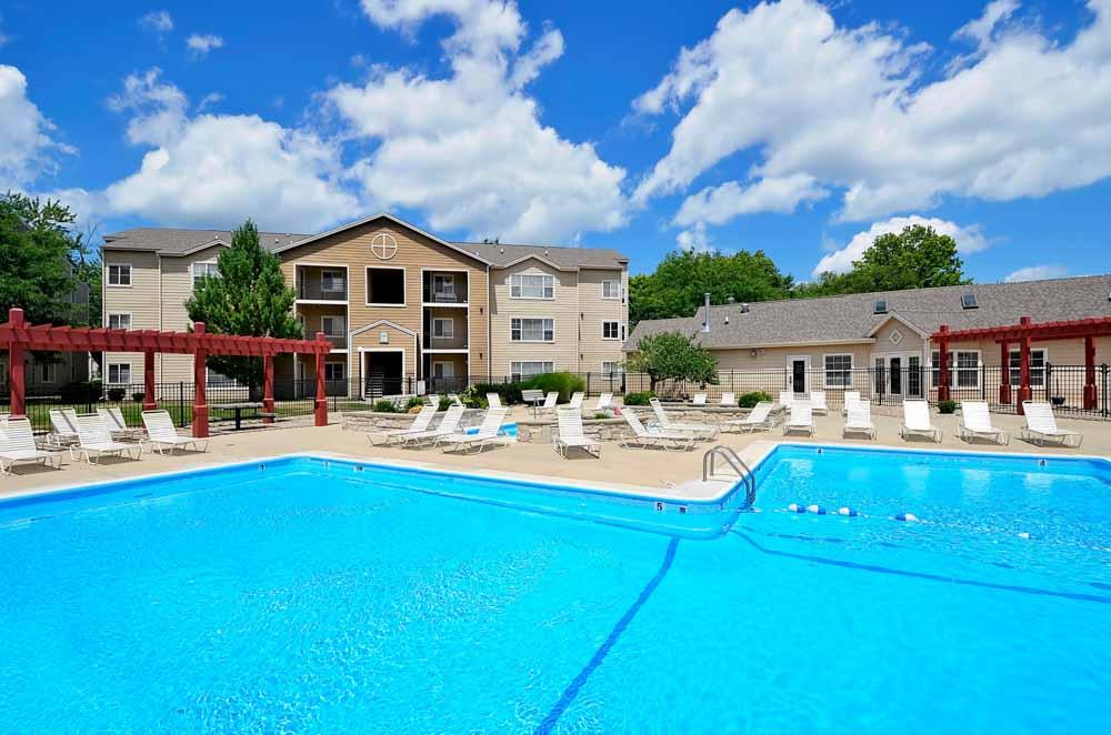 One-North-Urbana-IL-Swimming-Pool-Unilodgers
