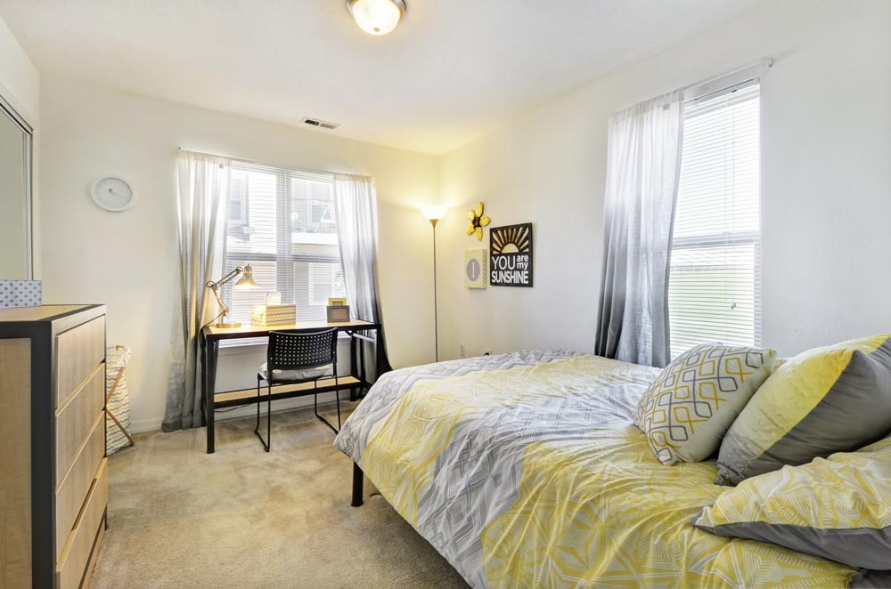 One-South-Urbana-IL-Bedroom-Unilodgers