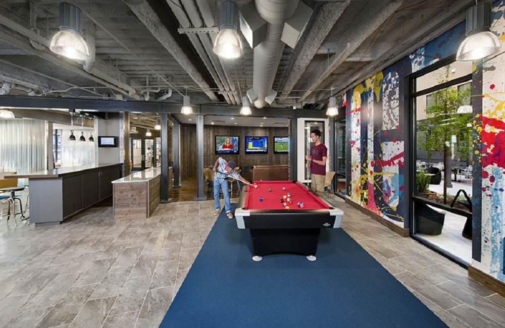 One-12-Courtland-Atlanta-GA-Game-Room-Unilodgers