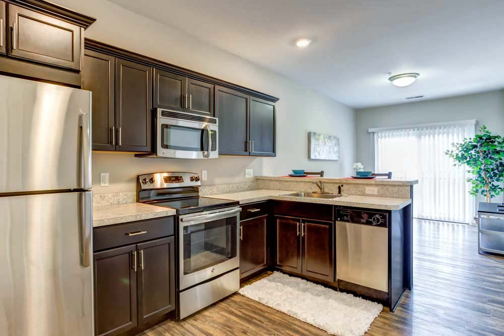 Overlook-at-Notre-Dame-South-Bend-In-Kitchen-Unilodgers