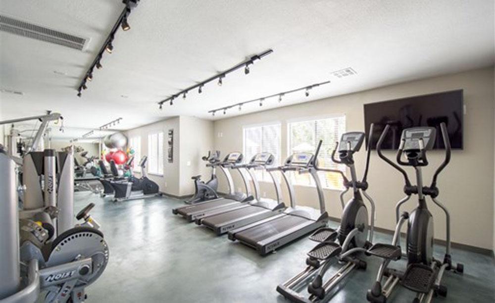Palm-Canyon-Apartments-Tucson-AZ-Gym-Unilodgers