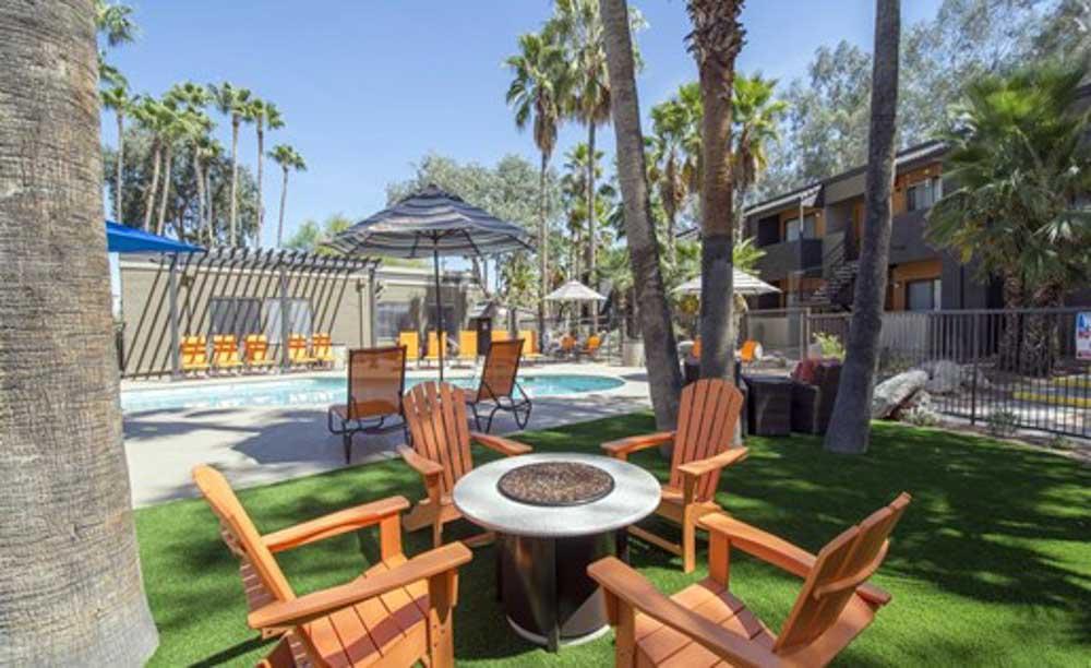 Palm-Canyon-Apartments-Tucson-AZ-Outdoor-Courtyard-Unilodgers