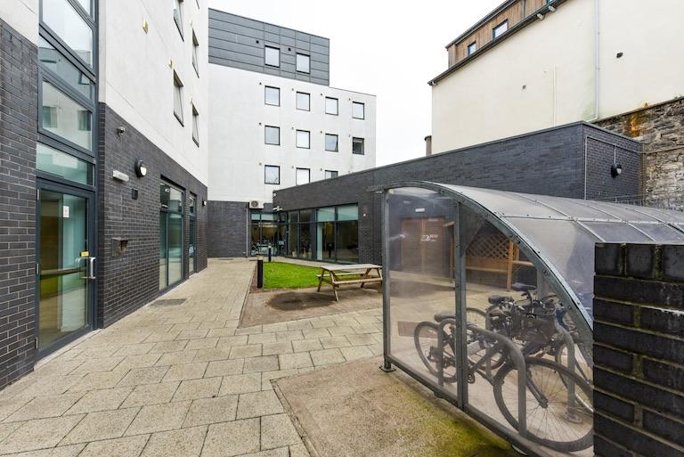 Panmure-Court-Edinburgh-Exterior-4-Unilodgers