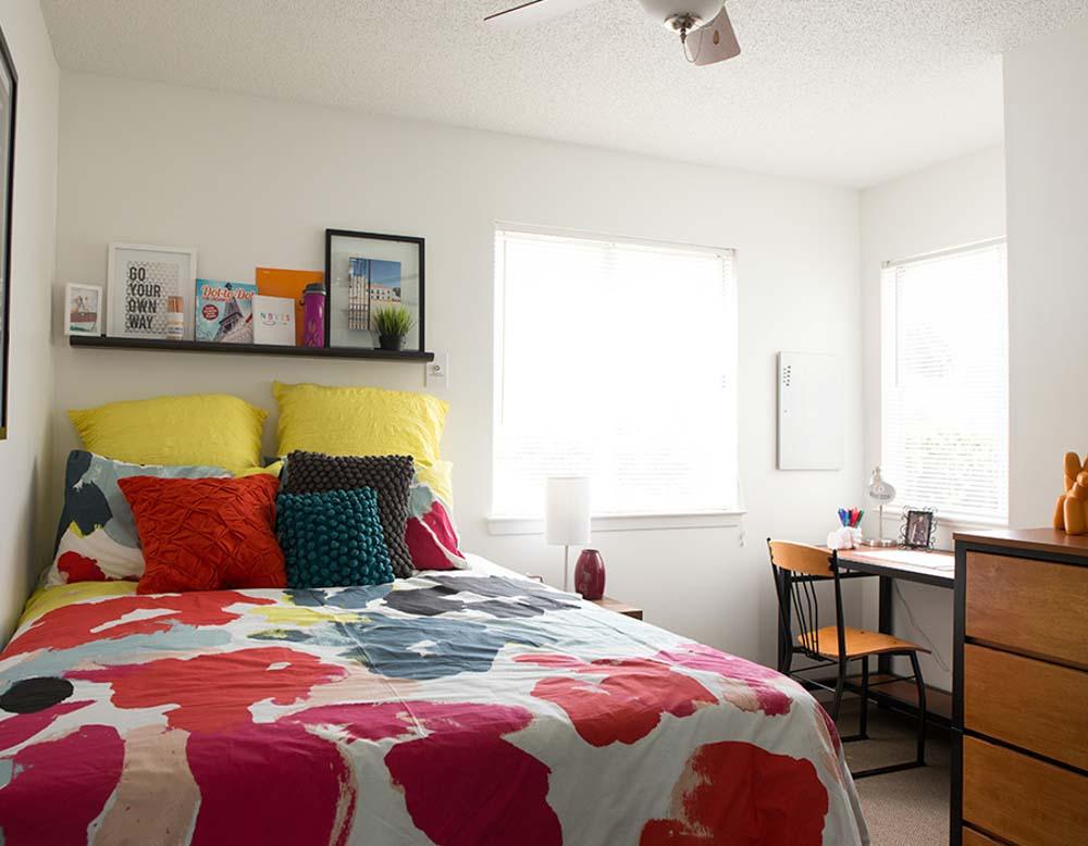 Parker-301-Tuscaloosa-AL-Bedroom-2-Unilodgers