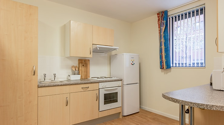 Piccadilly-Point-Manchester-Classic-Studio-Kitchen-Unilodgers