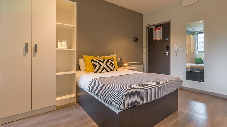 Piccadilly-Point-Manchester-Premium-Studio-Bedroom-Unilodgers