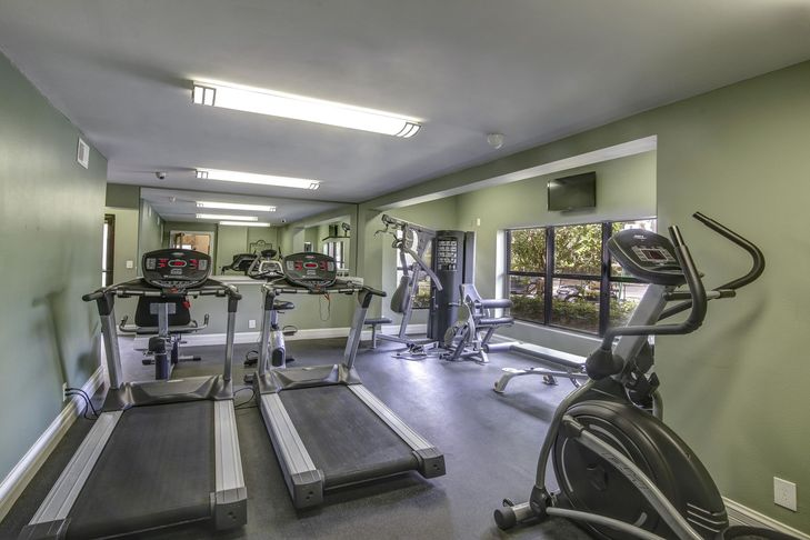 Plantation-Colony-Apartments-Plantation-FL-Gym-Unilodgers