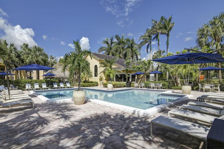 Plantation-Colony-Apartments-Plantation-FL-Swimming-Pool-Unilodgers