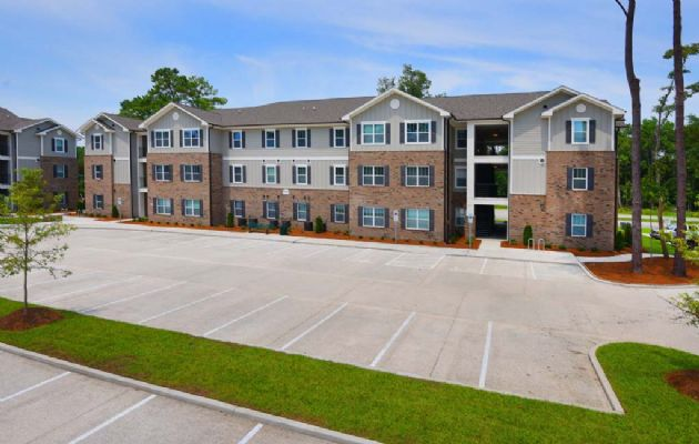 Plato's-Lofts-At-Randall-Wilmington-NC-Exterior-Unilodgers